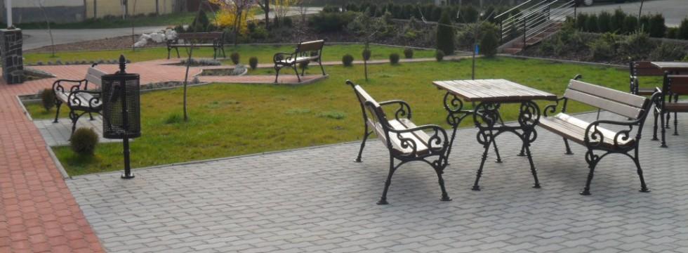 Köztéri park kialakítása Mátraderecskén 3