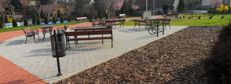 Köztéri park kialakítása Mátraderecskén 4