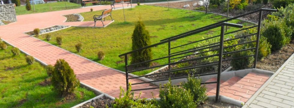 Köztéri park kialakítása Mátraderecskén 6
